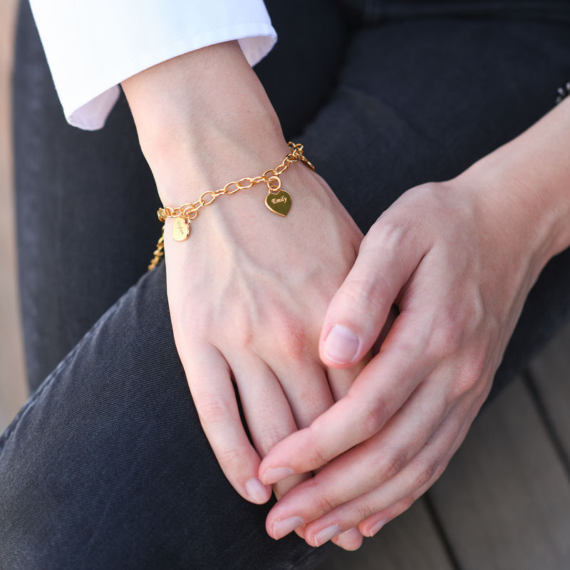 Link Bracelet with Heart Charms in 18ct Gold Plating - 1