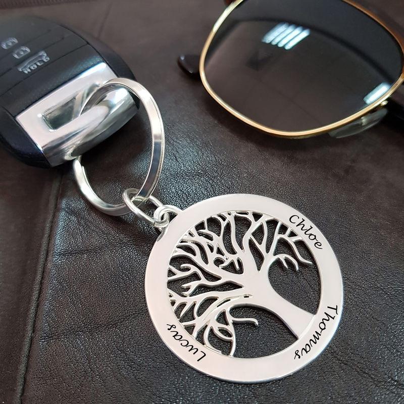 Familienbaum-Schlüsselanhänger aus Silber mit Gravur - 1