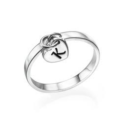 Ring mit Initialenanhänger aus Sterling Silber Produktfoto