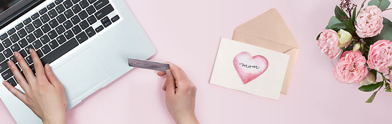 5 perfekte Geschenke für frischgebackene Mütter