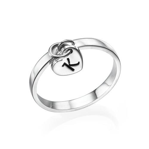 Ring mit Initialenanhänger aus Sterling Silber