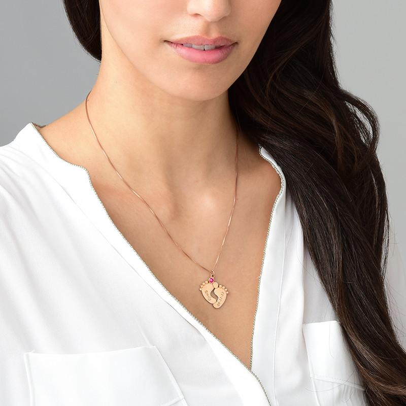 Personalisierte Babyfuß Halskette aus rosévergoldetem Silber - 1