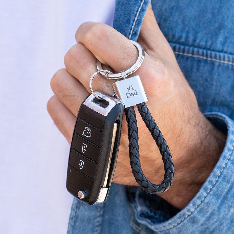 Schlüsselanhänger aus schwarzem Lederseil mit Gravur - 2