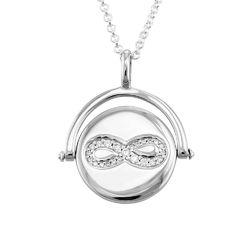 Kette mit kreiselndem Infinity-Anhänger aus Silber Produktfoto