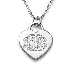 Gravierbare Monogramm Herzkette aus 925er Silber Produktfoto