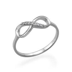 Infinity-Unendlich Ring mit Zirkonia Edelsteinen Produktfoto