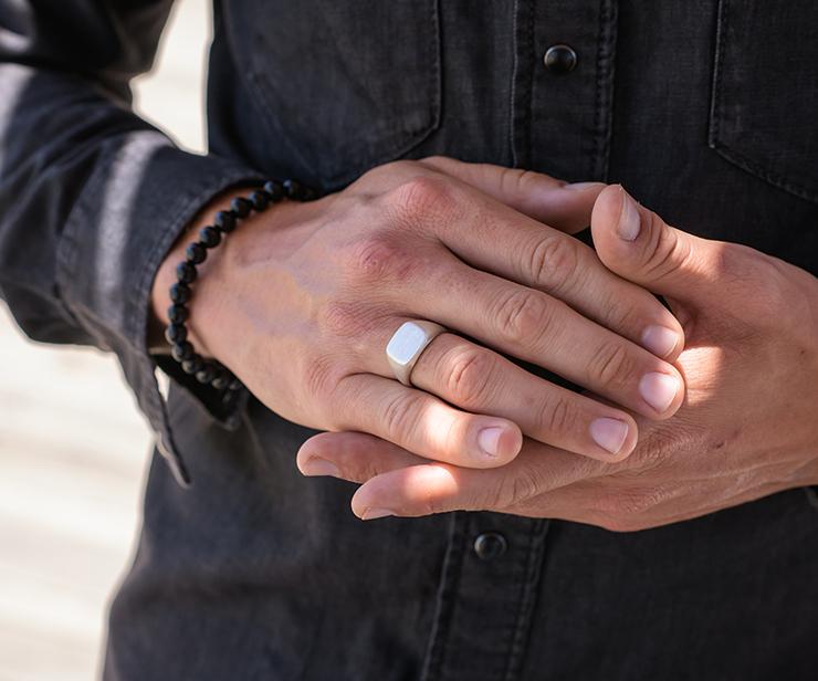 Herreringe med gravering: Ideer til den perfekte personlige ring