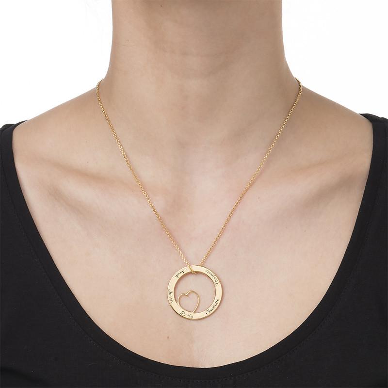 Ingraveret familie halskæde med hjerte i forgyldt sølv - 1
