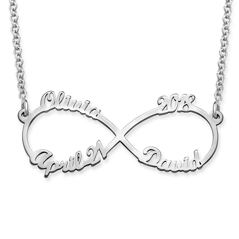 Infinity halskæde med fire navne i sølv