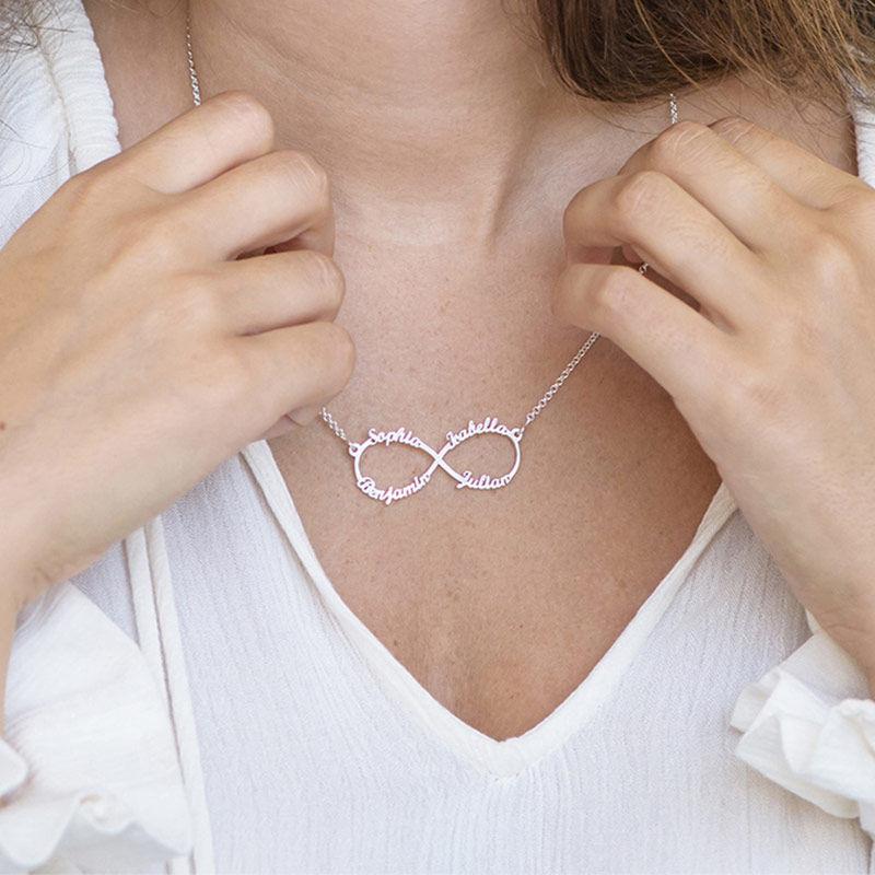 Infinity halskæde med fire navne i sølv - 2