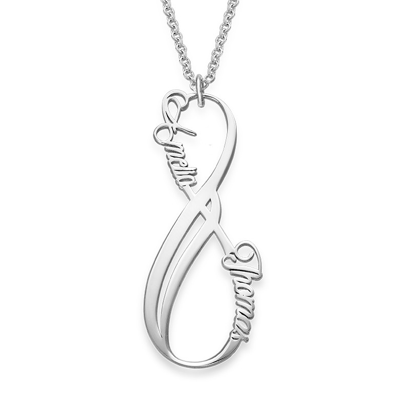 Vertikal infinity halskæde med navn i sølv