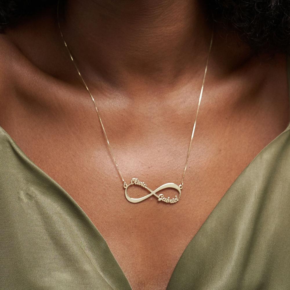 Infinity halskæde med navn i 14 karat guld - 4