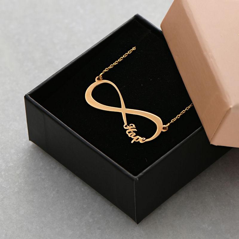 Infinity halskæde med navn i forgyldt sølv - 5