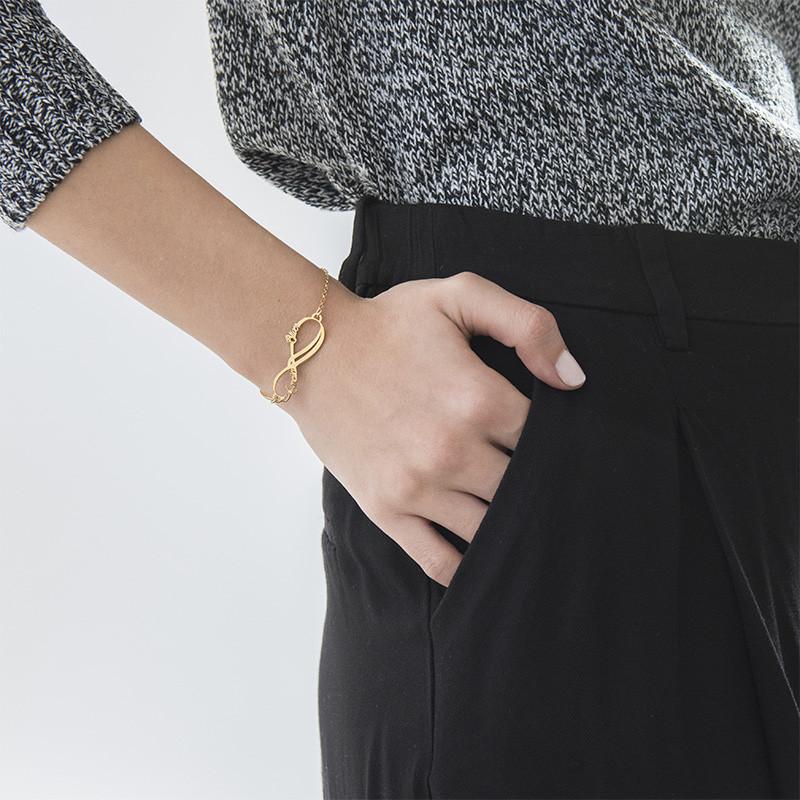 Infinity armbånd med 2 navne med guldbelægning - 2