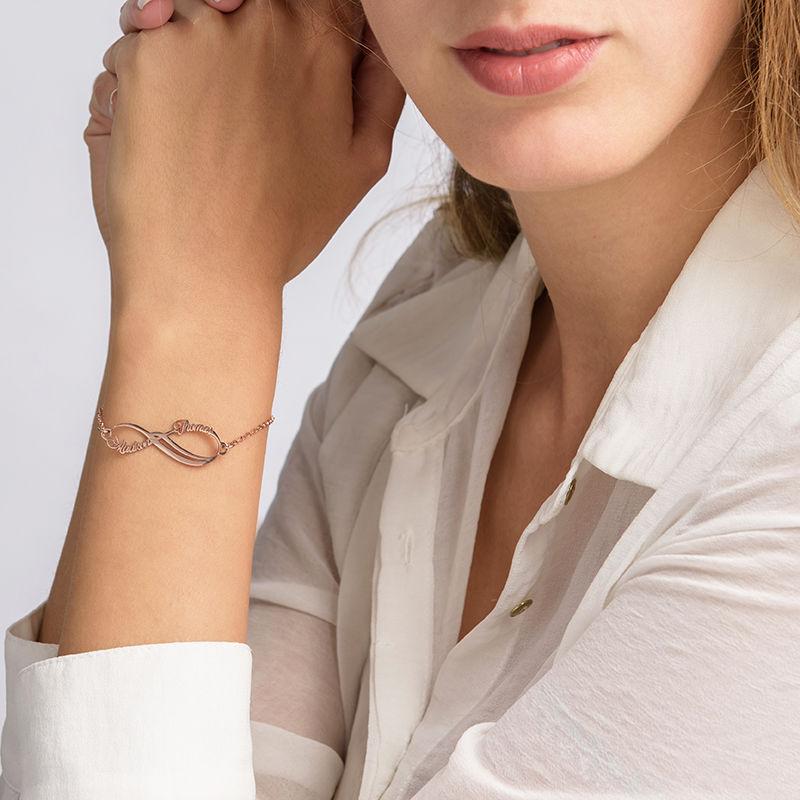 Infinity armbånd med 2 navne med rosa guldbelægning - 2