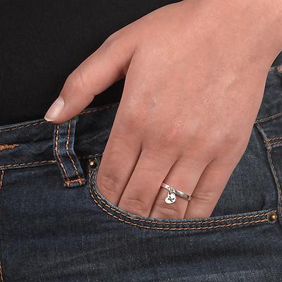 Personlig ring med bogstav vedhæng i sølv - 2