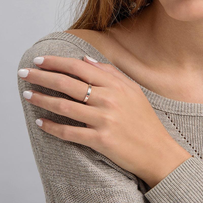 Stabelbar ring med navn og månedssten i sølv - 6