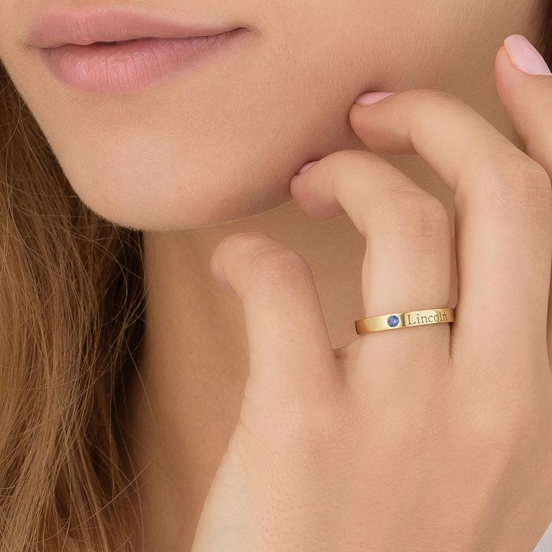 Stabelbar ring med navn og månedssten - 18 karat forgyldt sølv - 5