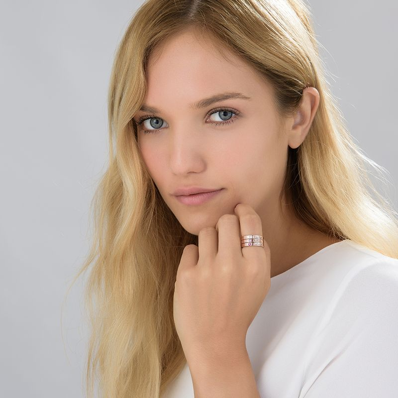 Stabelbar ring med navn og månedssten - 18 karat rosaforgyldt sølv - 4