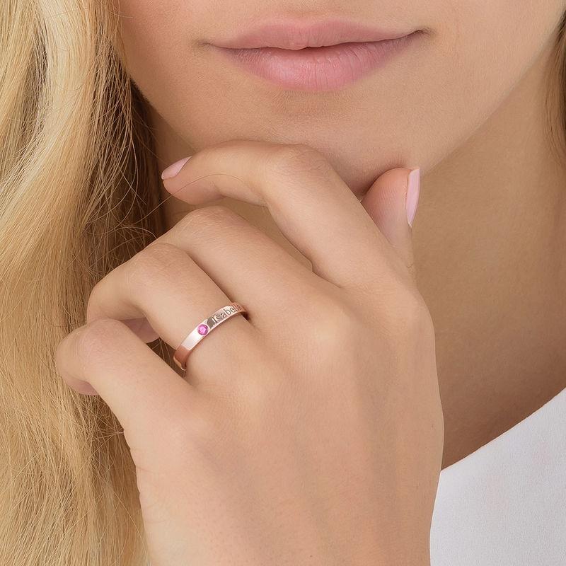 Stabelbar ring med navn og månedssten - 18 karat rosaforgyldt sølv - 5