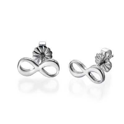 Infinity øreringe med bogstaver i sølv
