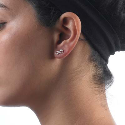 Infinity øreringe med bogstaver i sølv - 4