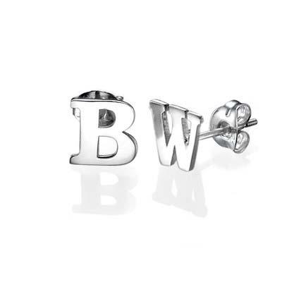 Bogstav øreringe med blokbogstaver i sølv