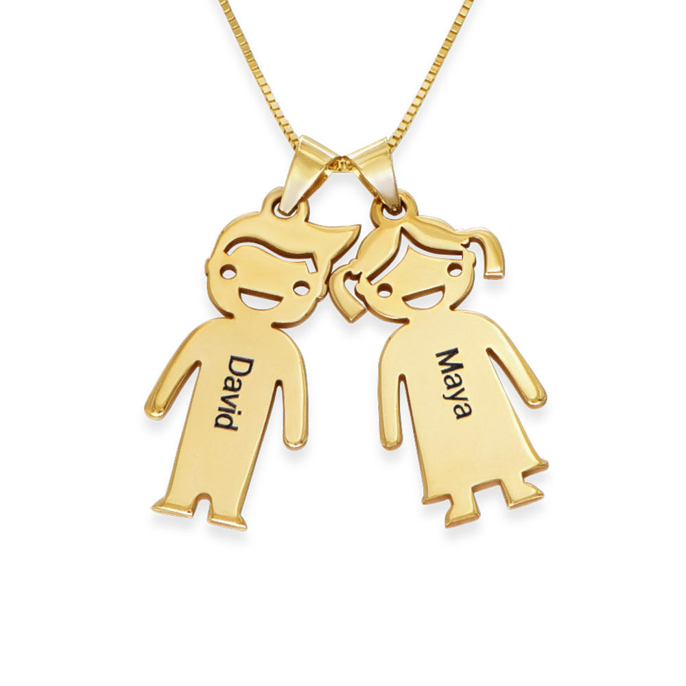 Mors halskæde med graverede børne-charms i 10 karat guld