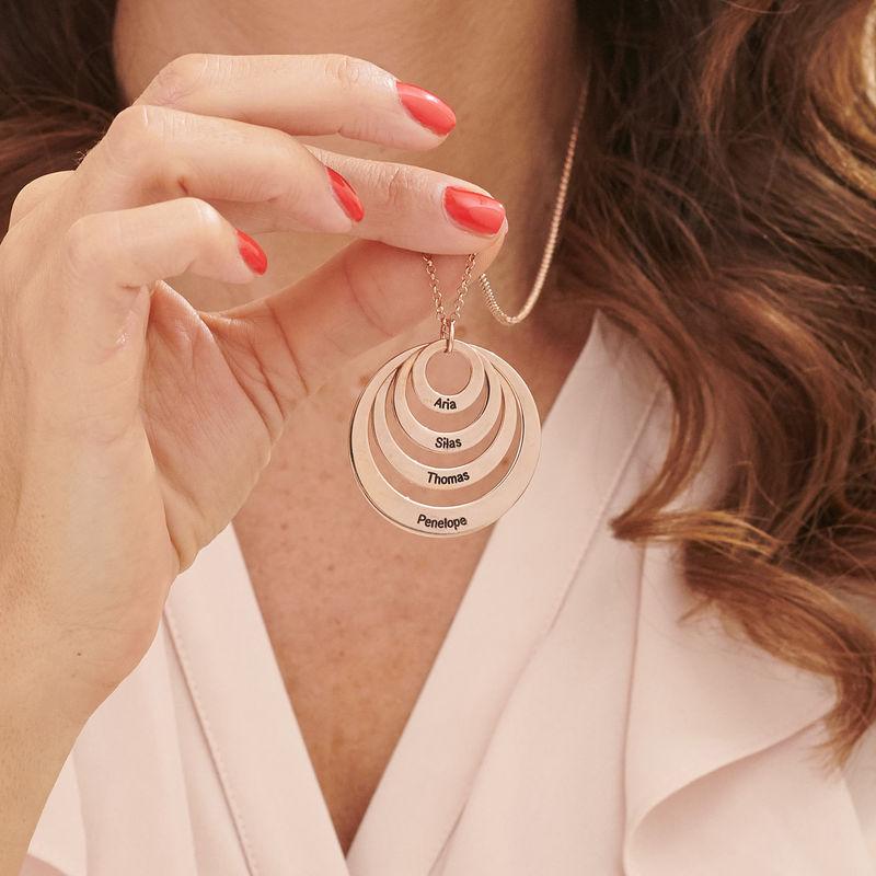 Morsmykke med fire cirkler og indgravering i rosaforgyldt sølv - 4
