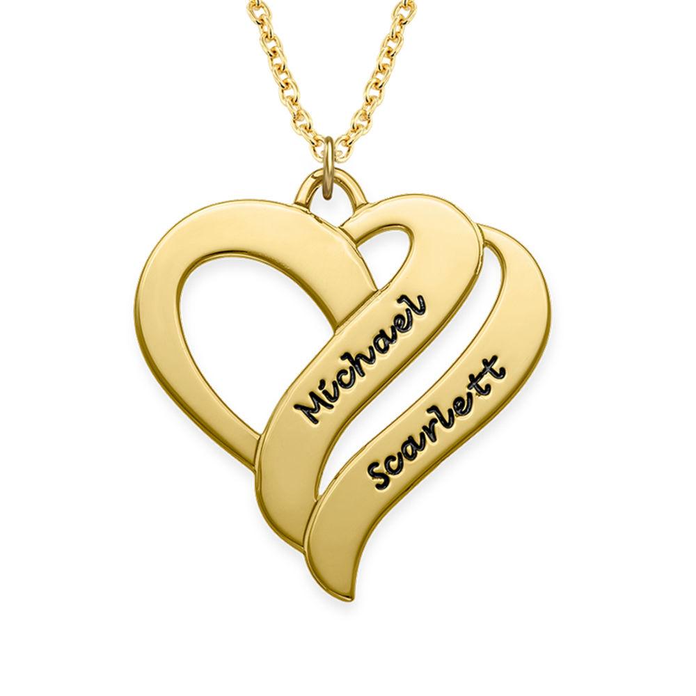 To hjerter banker som èt-halskæde med gravering i forgyldt sølv