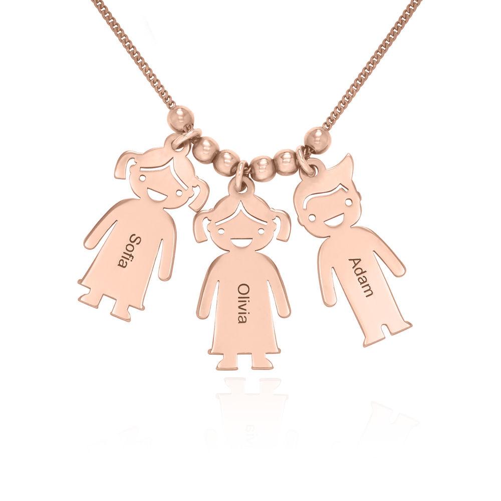 Mors halskæde med graverede børne-charms i rosaforgyldt sølv