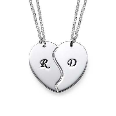 Veninde halskæde med bogstaver og to kæder i sølv
