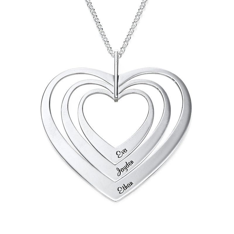 Hjerteformet familiehalskæde med navne i sølv
