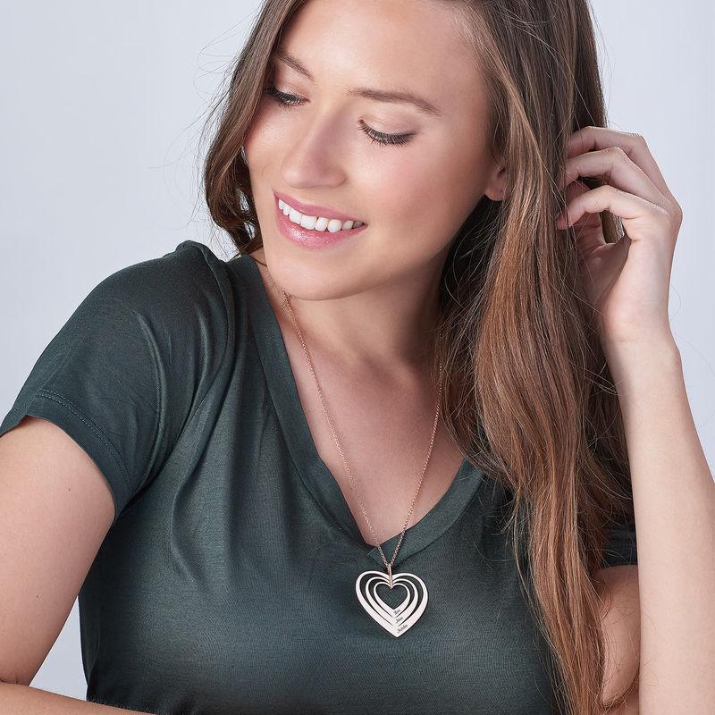 Hjerteformet familiehalskæde med navne i rosaforgyldt sølv - 2
