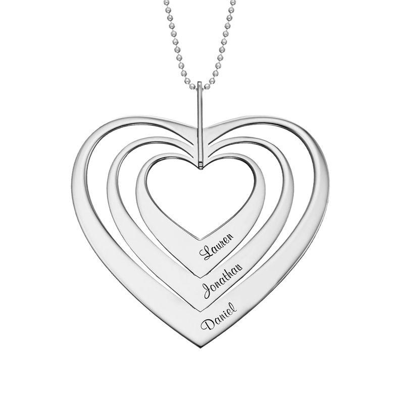 Hjerteformet familiehalskæde med navne i 10 karat hvidguld