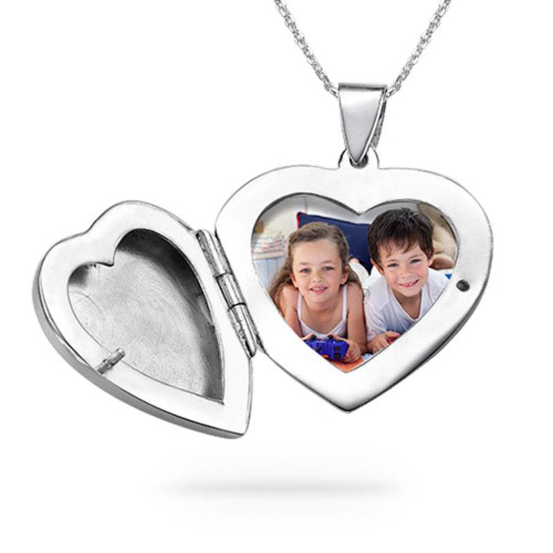 Halssmykke i sølv med graveret hjertemedaillon - 1