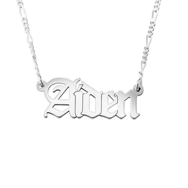 Personlig navnehalskæde med gotisk skrift i sølv