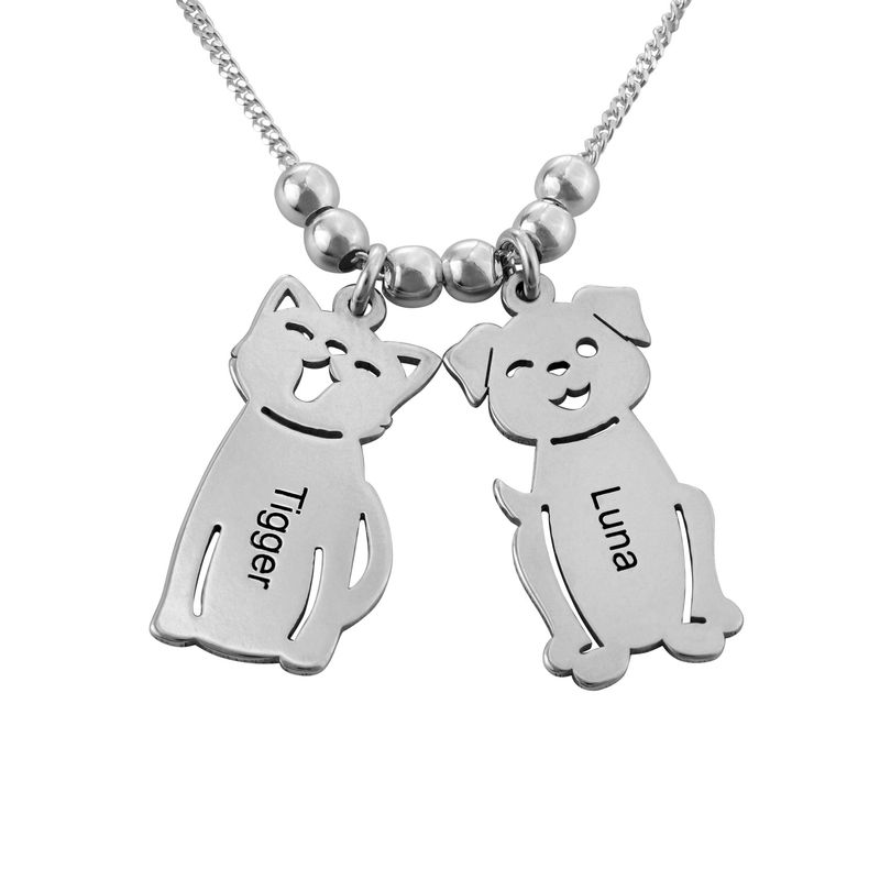 Halskæde med graverede børne-charms og kat og hund i sølv