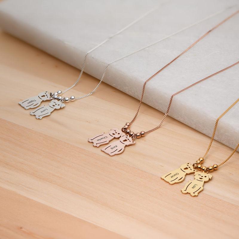 Halskæde med graverede børne-charms og kat og hund i sølv - 4