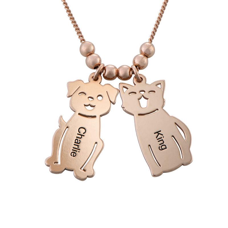Halskæde med graverede børne-charms og kat og hund i rosaforgyldt sølv