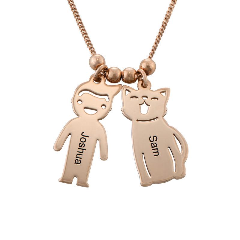 Halskæde med graverede børne-charms og kat og hund i rosaforgyldt sølv - 1
