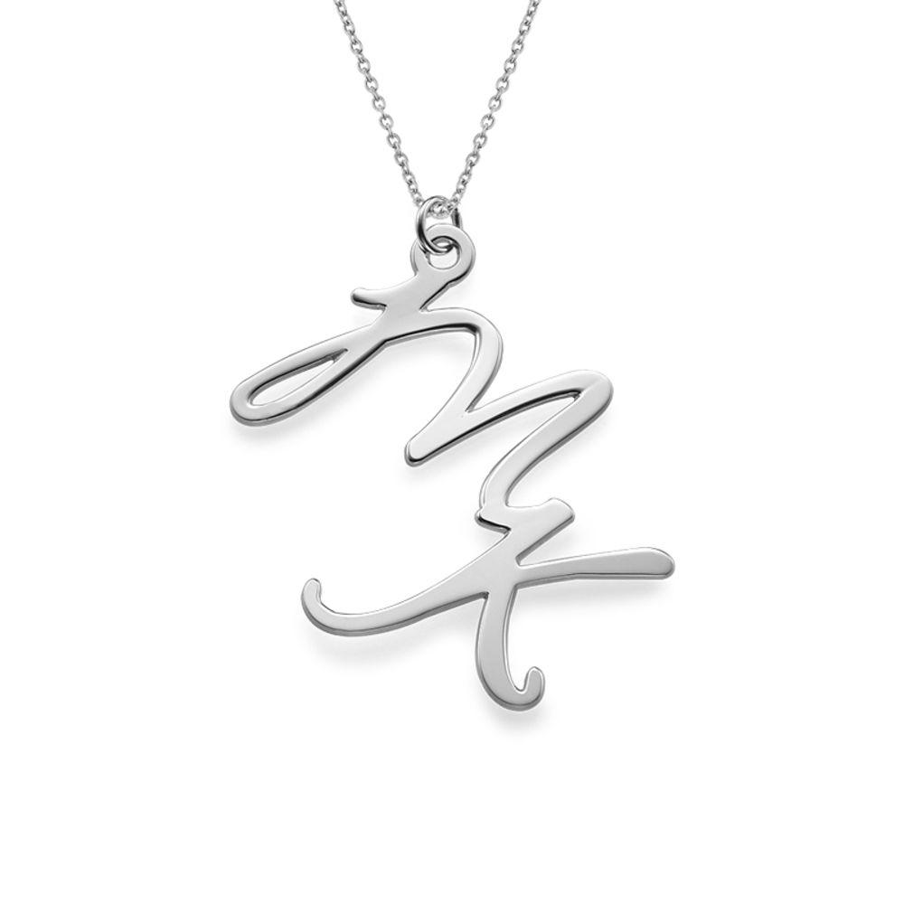 Bogstavhalskæde med to initialer i sølv