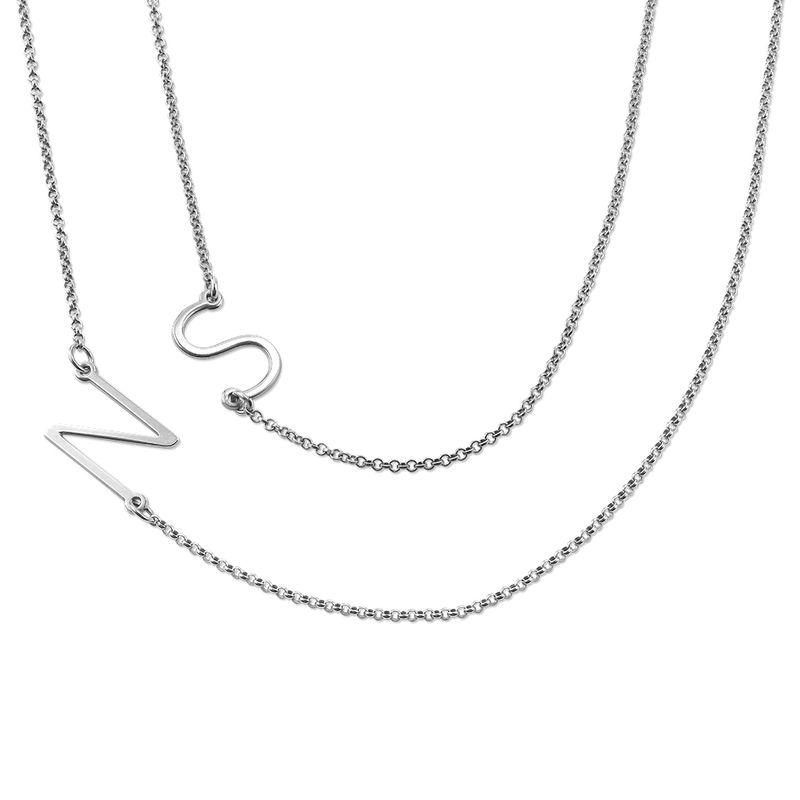 Sidelæns halskæde med bogstav i sølv - 1