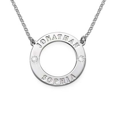 Personlig cirkelhalskæde i sølv med Swarovski