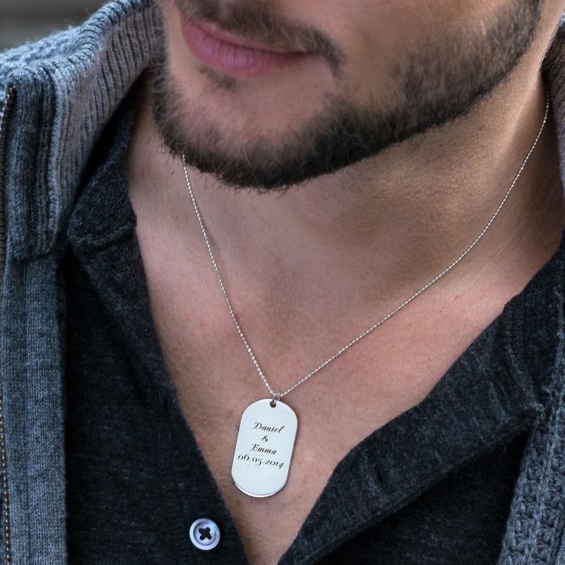 Dog tag halskæde med kursiv indgravering i sølv - 1