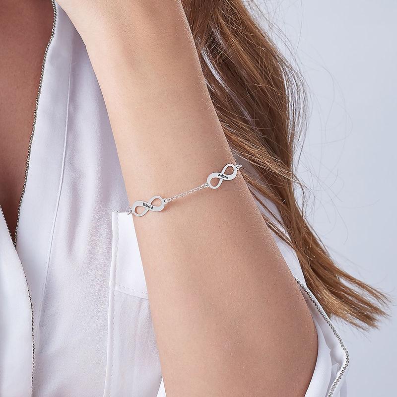 Infinity armbånd til mor med navn i sølv - 4