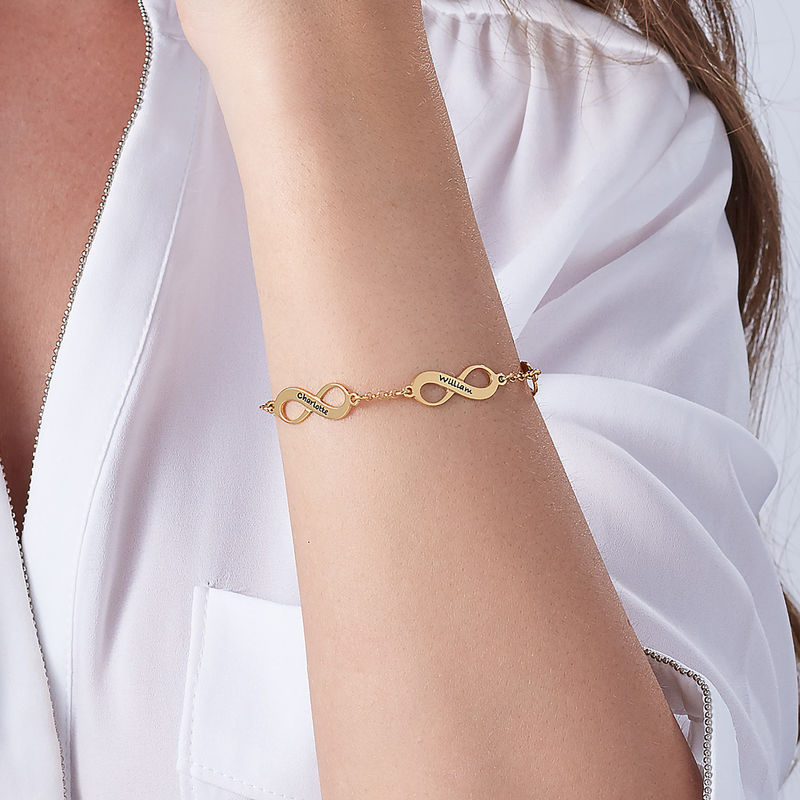 Infinity armbånd til mor med navn i forgyldt sølv - 4