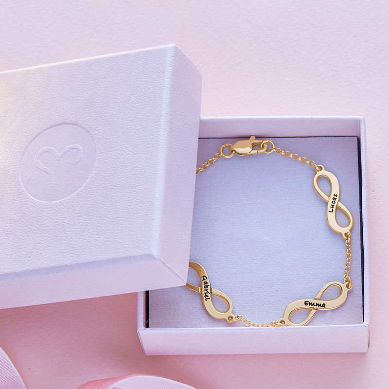 Infinity armbånd til mor med navn i forgyldt sølv - 5