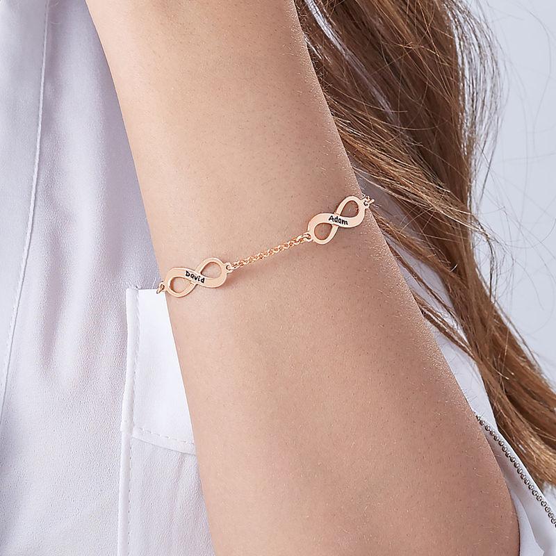 Infinity armbånd til mor med navn i rosaforgyldt sølv - 4