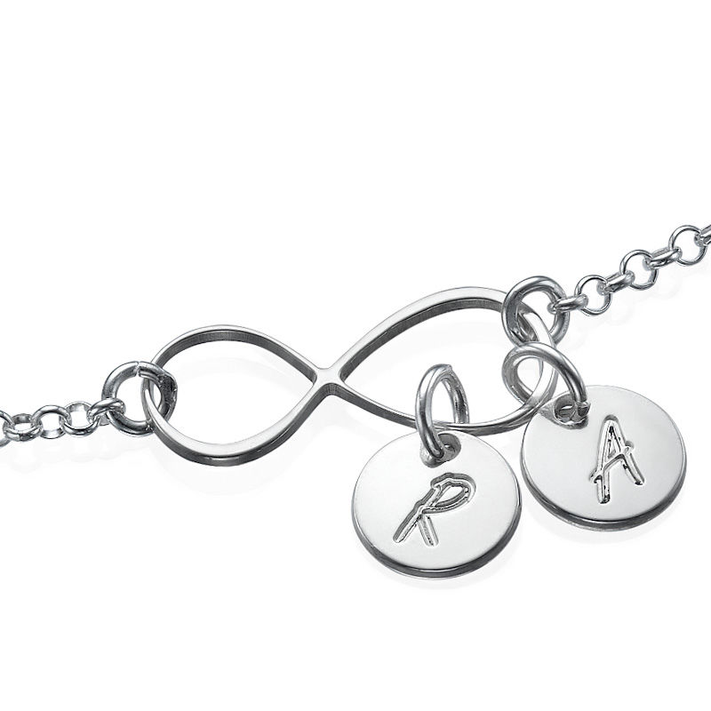 Infinity armbånd / ankelkæde med bogstav vedhæng - 1